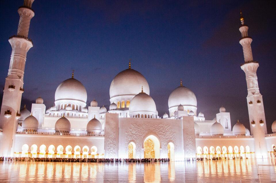 Mosquée abu dhabi :tout ce que vous devez savoir en 2021